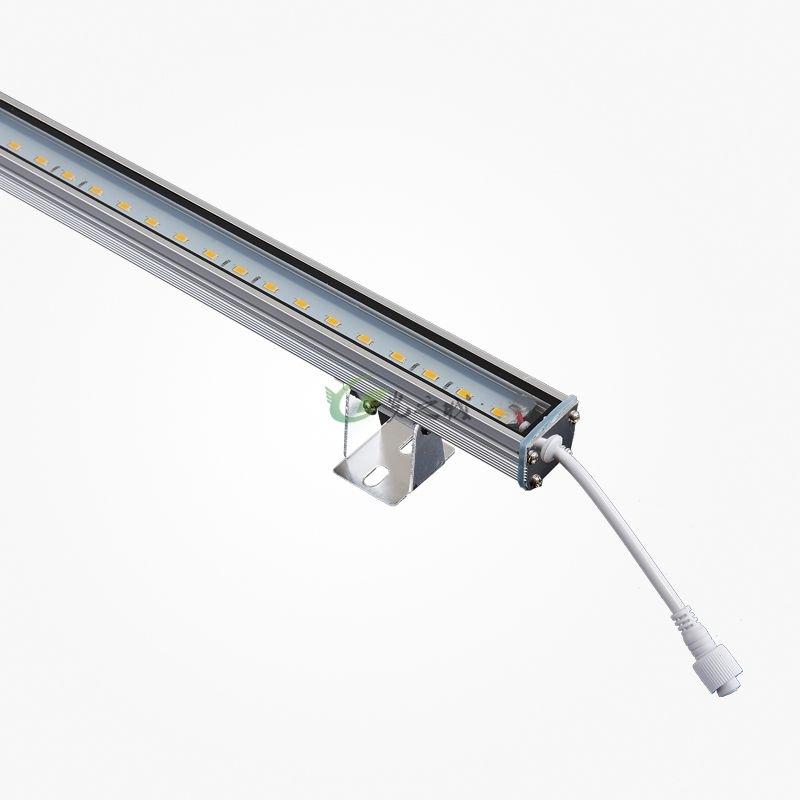户外安装更注重的是灯具的防水和安装的牢固